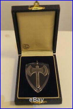 Authentique médaille en cristal de baccarat franscique pétain d'époque