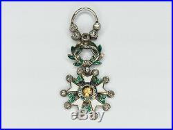 Belle médaille miniature de la légion d'honneur sertie de diamants. Bon état