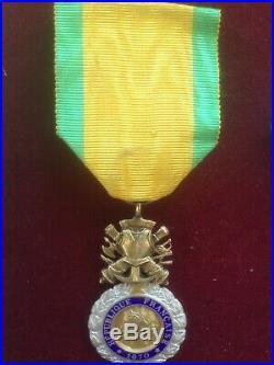 Cinq médailles de guerre dont 1 legion d'honneur et une libération France allem