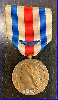 Décoration Médaille d'Honneur du Service de Santé des Armées Bronze Rare
