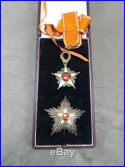 ENSEMBLE de GRAND CROIX DE COMMANDEUR de l'ordre du OUISSAM ALAOUITE. MAROC