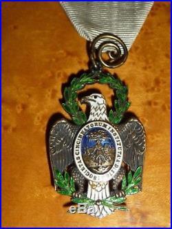 ETATS UNIS Rare insigne de la Société des Cincinnati