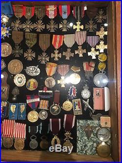 Lot de médailles en tout genre