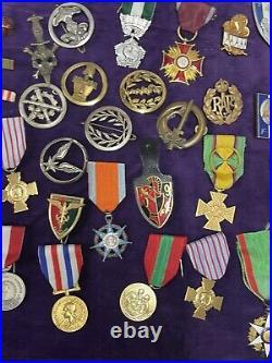 Lots De 70 Medailles Ww1 Et Ww2 Coloniale Et Divers
