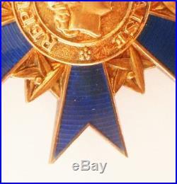 M. STUART SUPERBE FRANCE Commandeur de l'ordre national du mérite Médaille croix