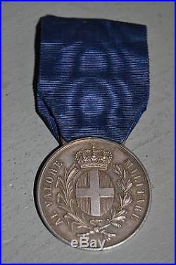 Médaille en argent mérite militaire attribué à un lieutenant lancier