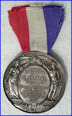 MEDAILLE LOUIS PHILIPPE COURAGE DEVOUEMENT MINISTERE DE LA MARINE 1840 sauvetage