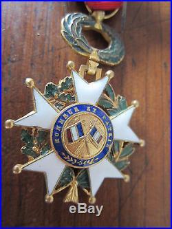MEDAILLE MILITAIRE LEGION D HONNEUR III éme REPUBLIQUE ETOILE OR D OFFICIER