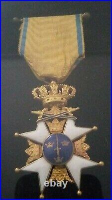 MILITARIA Médailles / décorations militaires anciennes Etoile Épée Suède Ordre