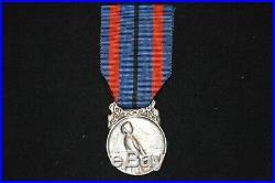 Medaille Des Victimes De L'invasion-2° Classe Argentee-grande Guerre 1914/1918