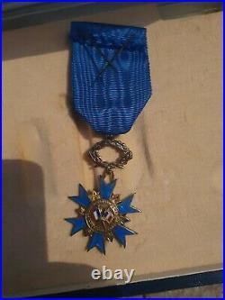Médaille Du Mérite Commandeur