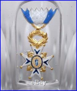 Médaille Espagne Ordre de CHARLES III officier verre gobelet cristal boîte 19e
