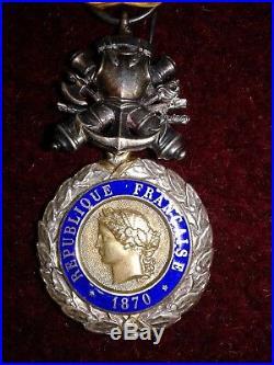 Medaille Militaire Biface Argent 3e Republique