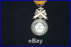Medaille Militaire Trophee Monobloc-dite De Versailles-signee Barre