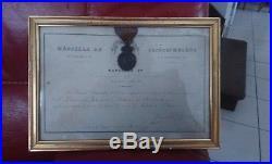 Médaille St Helene avec son diplome 1821