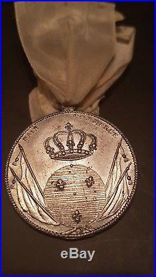 Medaille de fidélité à louis xviii ordre lys