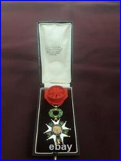 Médaille décoration Officier Légion d'Honneur or poilu succession grenier
