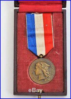 Médaille des épidémies, Ministère des Colonies, bronze, 1928, dans sa boite