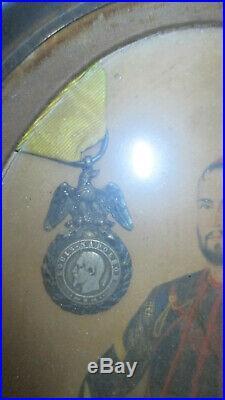 Médaille miitaire NAPOLEON III cadre portrait peint zouave 1874