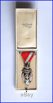 Medaille militaire Ordre de l'AIGLE BLANC SERBIE épées boite 14-18