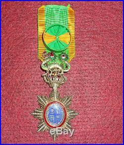 Medaille officier ordre du dragon d'annam vermeil indo china medal order