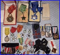 Médaille résistance franco laotienne, insignes militaires chasseurs laotiens