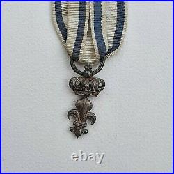 Ordre du Lys, lys en argent, ruban du département du Loiret