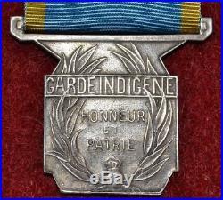 Photo fausse médaille de l'indochine française garde indigène