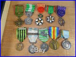 Placard de décorations médailles militaires 3 é république et début XXéme