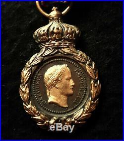 Splendide médaille de Sainte-Hélène façon bijoutier avec son ruban d'origine