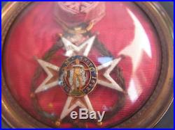 Superbe medaille cadre reliquaire ordre militaire st louis or