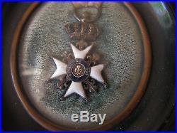 Superbe medaille cadre reliquaire vive le roi
