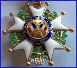 Superbe médaille d'officier de la légion d'honneur, IVème république en vermeil