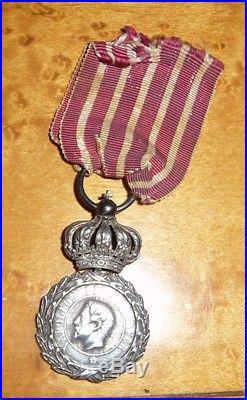 Très rare médaille d'Italie, 1er type avec couronne