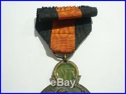 V14D Superbe médaille croix de l'YSER guerre 14 18 belgian medal